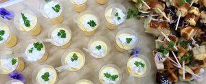 お料理の取り分けもスムーズに!立食パーティーにおすすめの料理事例をご紹介いたします!